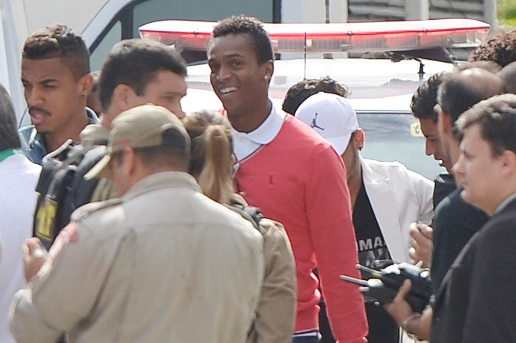 Jô e Luis Gustavo chegam a hotel no Rio de Janeiro