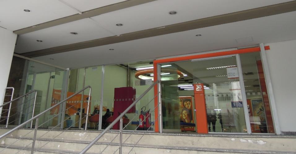 Agência do banco Itaú na rua da Consolação sem qualquer adesivo da Copa