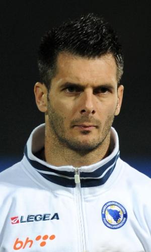Emir Spahic, jogador da Bósnia