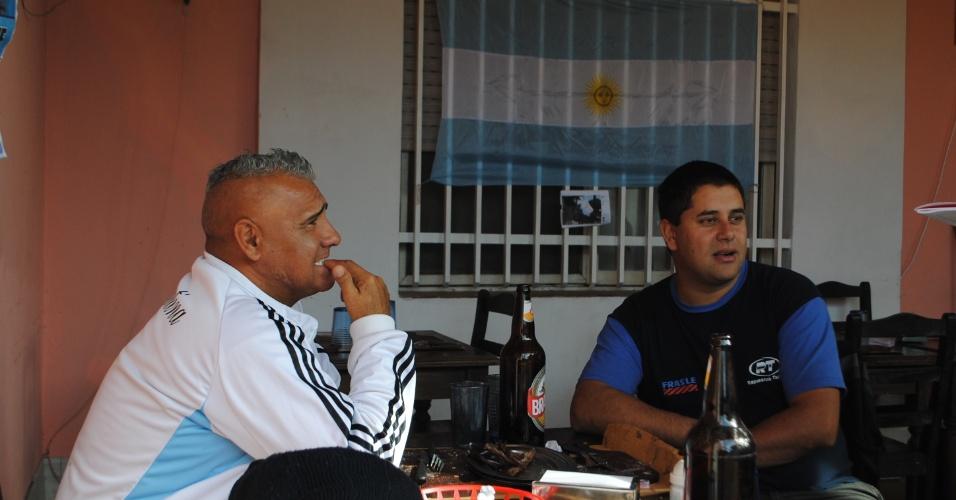 José Luis Gramajo (esquerda) diz que se jogador 'bocudo' não fosse convocado, Maradona nunca jogaria na seleção
