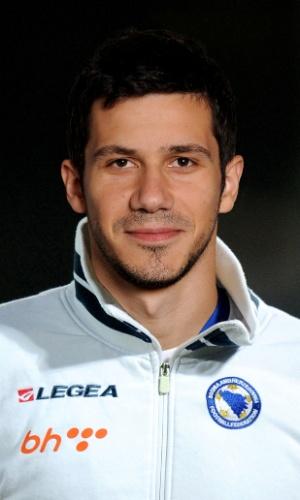 Mensur Mujdza, jogador da Bósnia