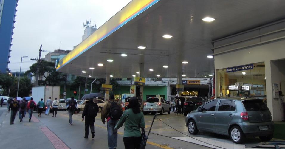 Posto da bandeira Ipiranga na rota dos protestos, na avenida Faria Lima