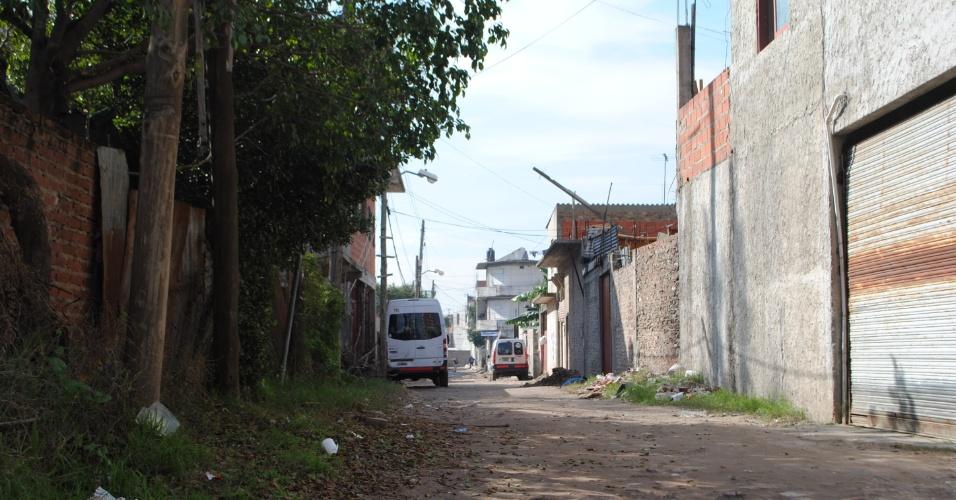 Ruelas e becos são perigosos e nem mesmo os moradores aconselham que estranhos entrem no bairro Forte Apache