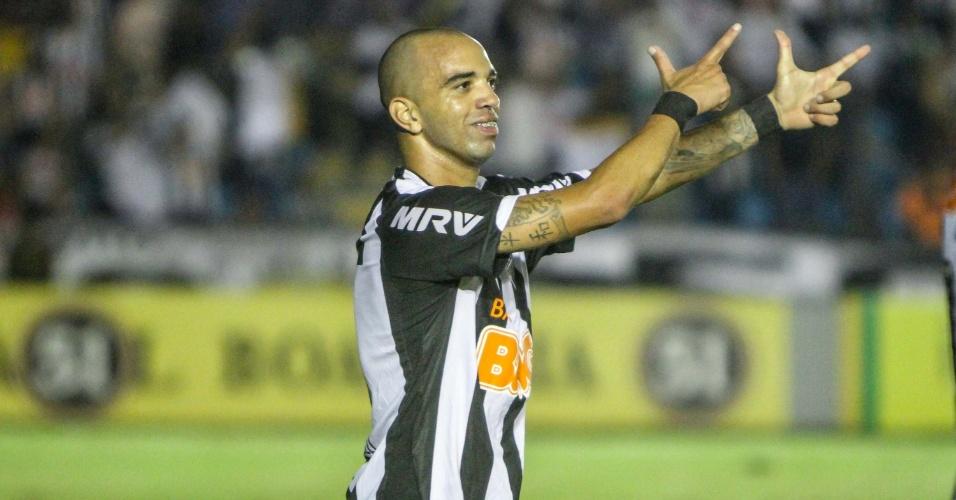 28.mai.2014 - Diego Tardelli comemora seu gol, o segundo do Galo sobre o Fluminense