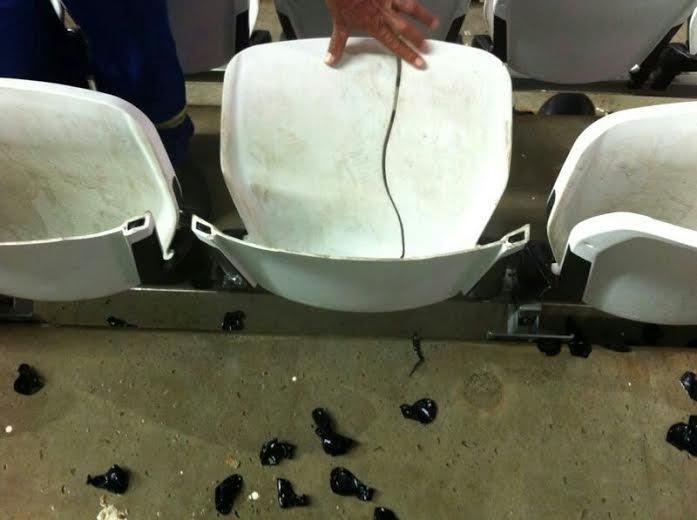 Fotos mostram destruição em cadeiras do Itaquerão