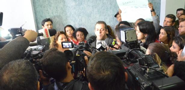 Manfestantes invadiram apresentação do secretário estadual de Saúde de São Paulo