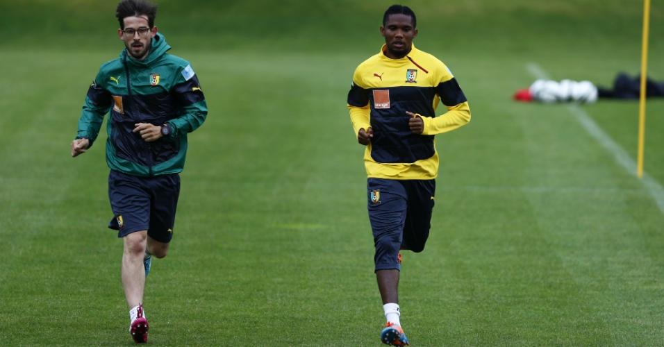 Samuel Eto'o realiza treino físico na concentração da seleção de Camarões