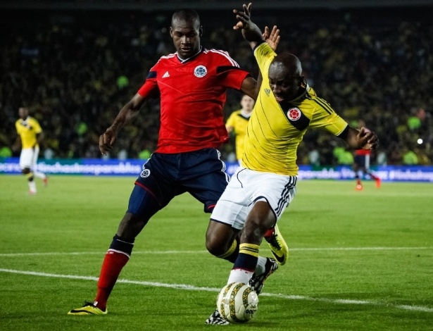Valencia (e), que é atleta do Fluminense, foi cortado da seleção colombiana por lesão na coxa direita