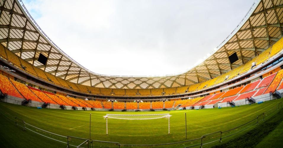 Vista do gol da Arena da Amazônia