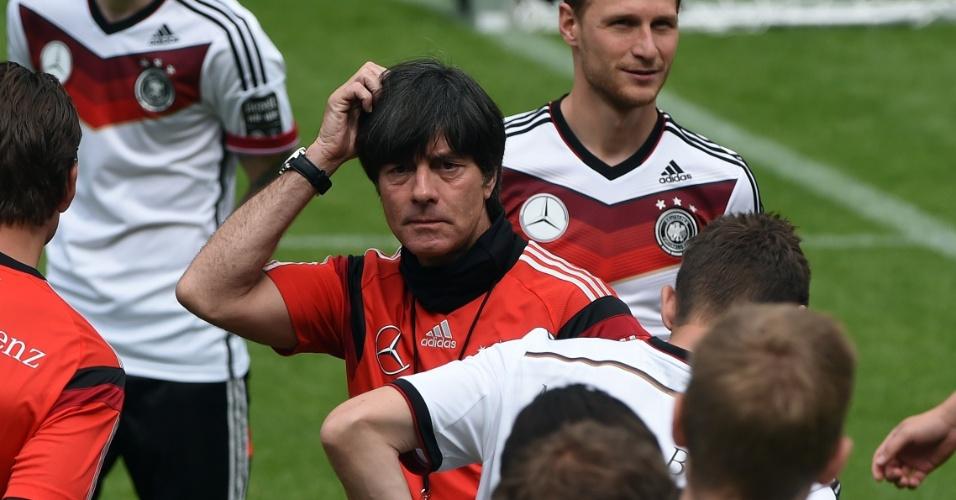 Técnico da Alemanha Joachim Loew durante treino de sua seleção para a Copa do Mundo