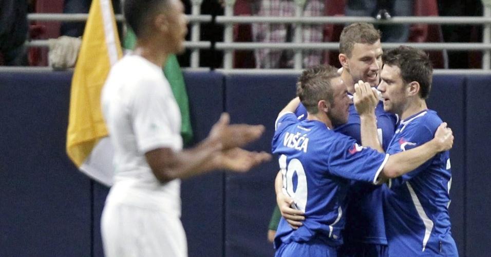 30.mai.2014 - Edin Dzeko comemora primeiro gol da Bósnia-Herzegovina sobre a Costa do Marfim em amistoso realizado nos Estados Unidos
