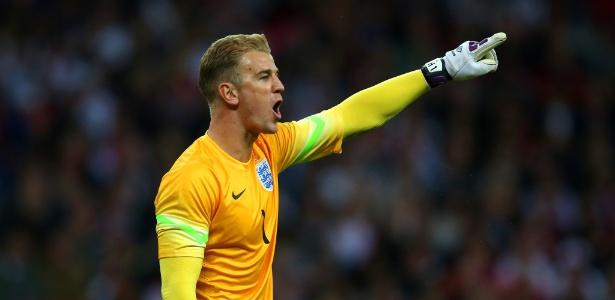 Descartado pelo City, Hart ainda é titular da seleção da Inglaterra