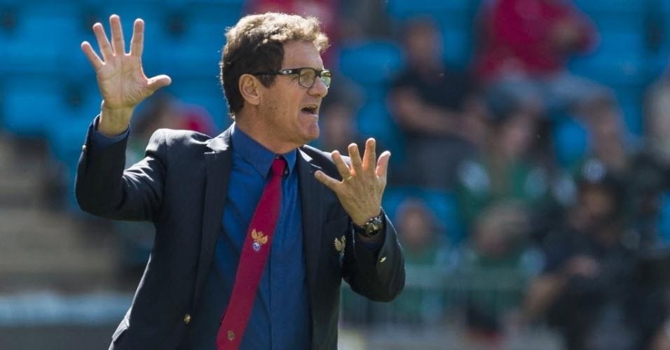 31.mai.2014 - Técnico Fabio Capello gesticula durante amistoso da Rússia contra a Noruega, que terminou empatado em 1 a 1