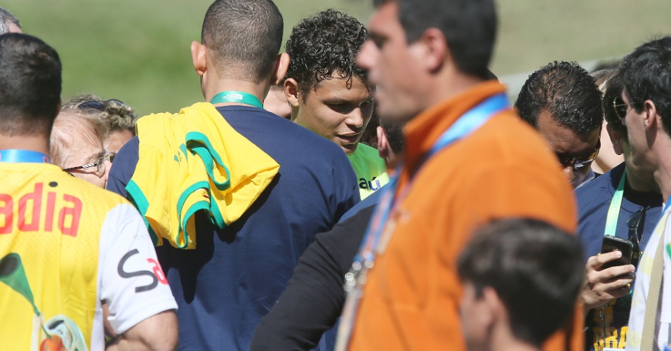 31.mai.2014 - Thiago Silva participa de evento com patrocinadores
