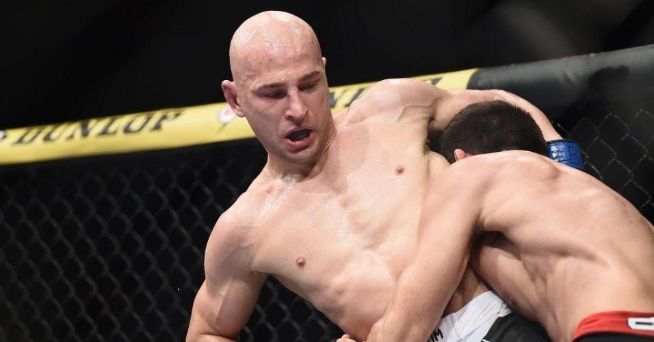 31.mai.2014 - Demian Maia enfrenta Alexander Yakovlev durante evento da terceira edição do The Ultimate Fighter Brasil 3
