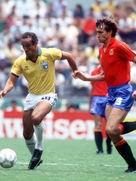 Elzo contra a Espanha; volante se destacou pela seleção na Copa de 86  - Bob Thomas/Getty Images
