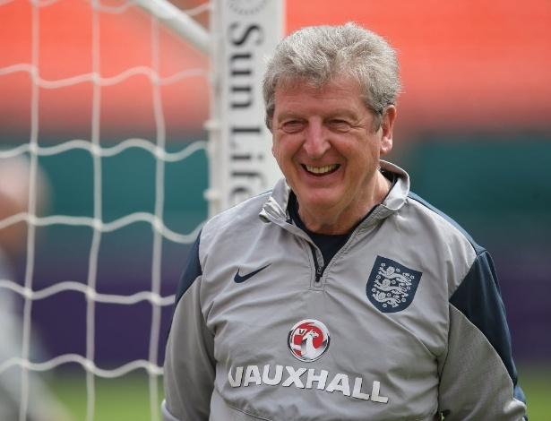 Técnico da Inglaterra diz que não vai pedir demissão, mas deixa cargo à disposição