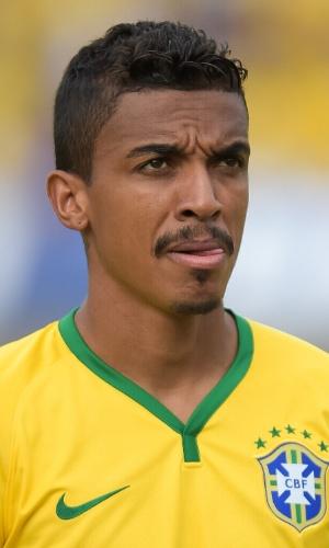 03.jun.2014 - Volante Luiz Gustavo é fotografado antes do amistoso entre Brasil e Panamá em Goiânia