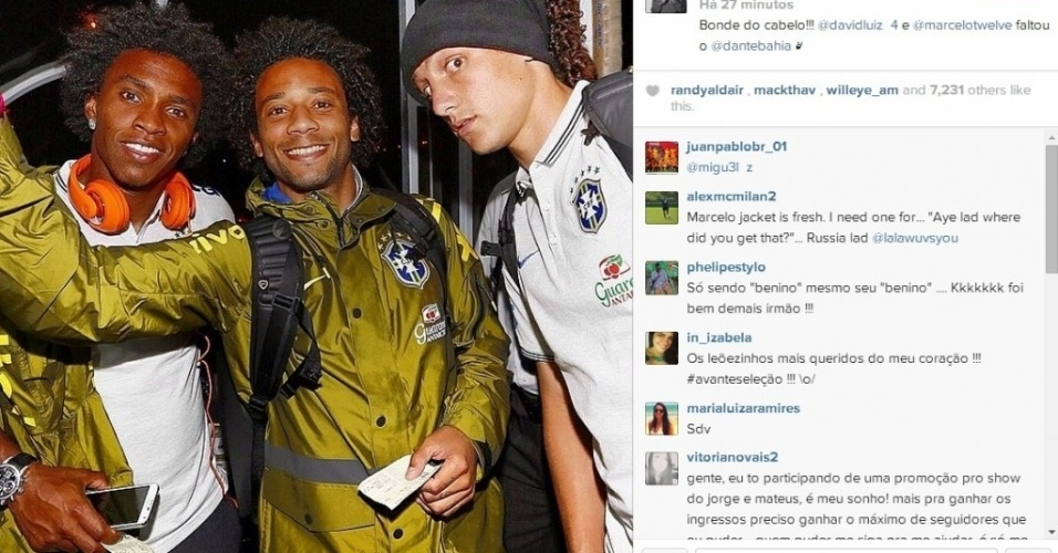 "03.mai.2014 - Willian, Marcelo e David Luiz postam foto do ""bonde do cabelo"""