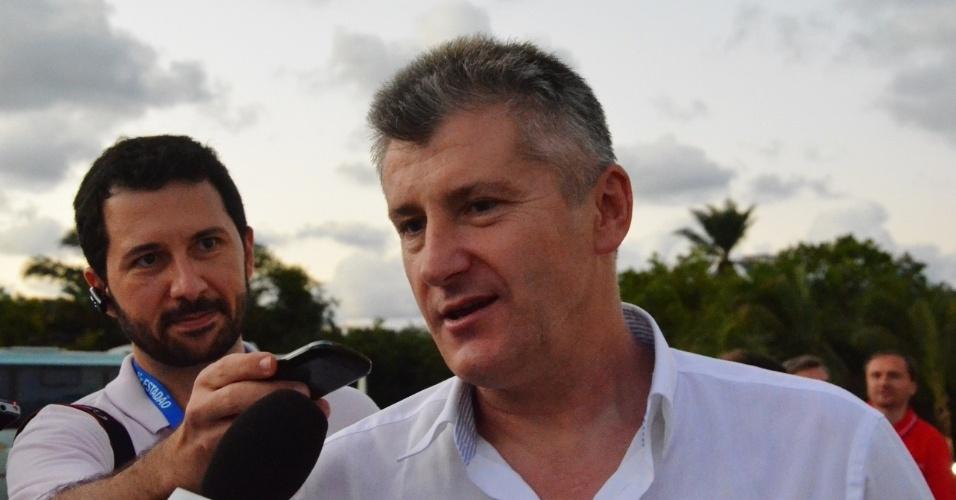 Artilheiro da Copa do Mundo de 1998, ex-atacante croata Davor Suker concede entrevista antes de treino da Croácia