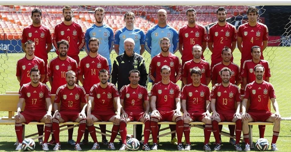 Com Diego Costa, seleção da Espanha apresenta fotografia oficial para a Copa do Mundo de 2014