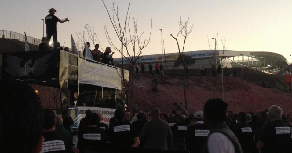 Protesto de PMs próximo ao Itaquerão