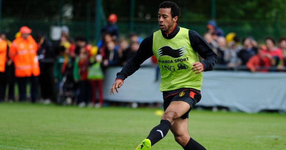 Moussa Dembele, da Bélgica, participa de coletivo no treinamento da seleção em Knokke-Heist