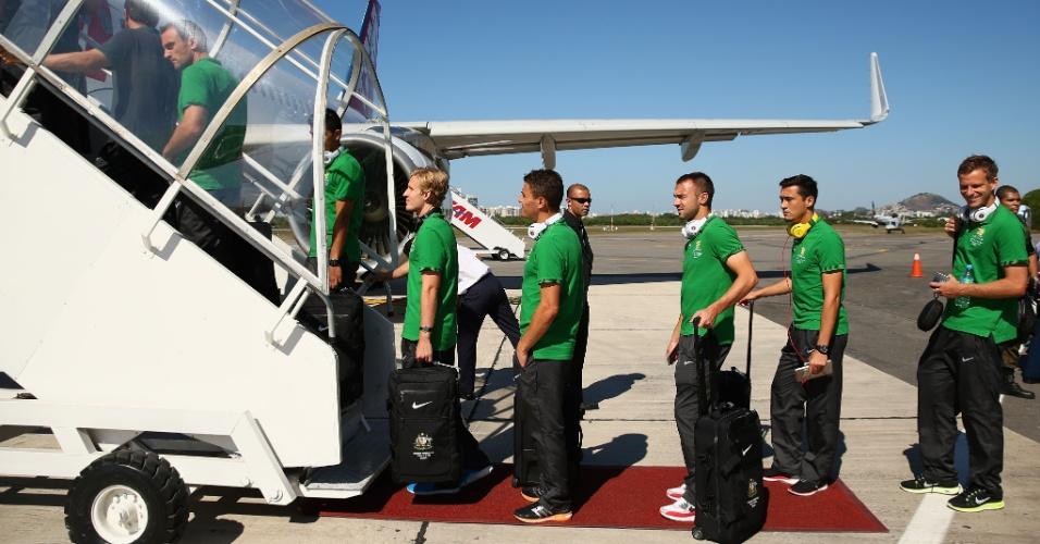 Seleção australiana embarca em Vitória para Salvador, onde disputa amistoso com a Croácia
