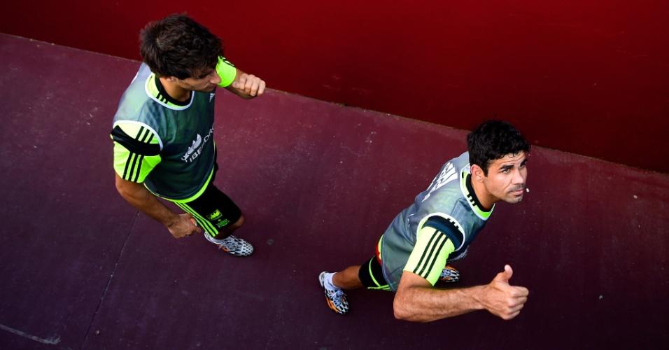 06.jun.2014 - Atacante Diego Costa deixa treino confiante em sua recuperação física para a disputa da Copa do Mundo no Brasil
