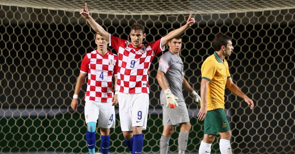 06.jun.2014 - Jelavic comemora gol da Croácia em amistoso contra a Austrália, no estádio de Pituaçu