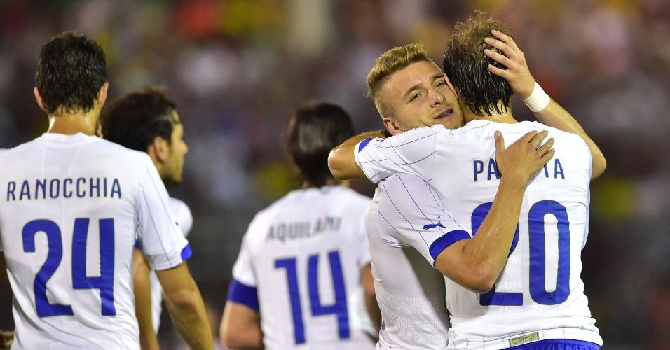 Atacante Immobile comemora o segundo gol da Itália em amistoso contra o Fluminense