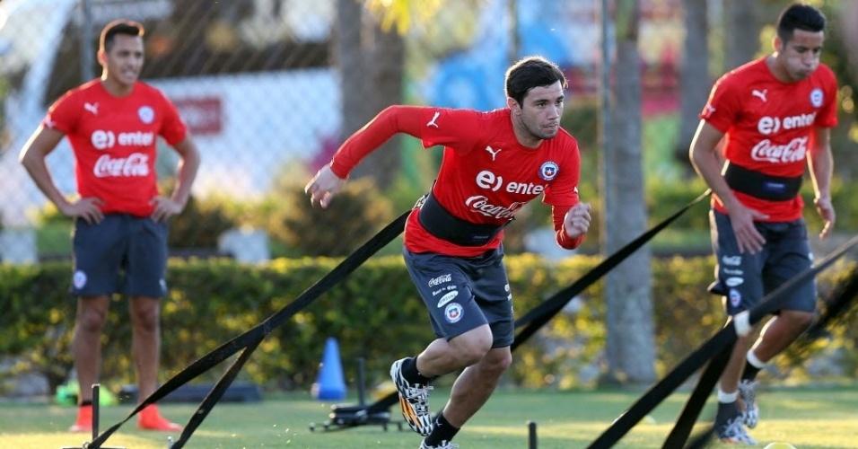 Em Belo Horizonte, seleção chilena faz treino na toca da Raposa