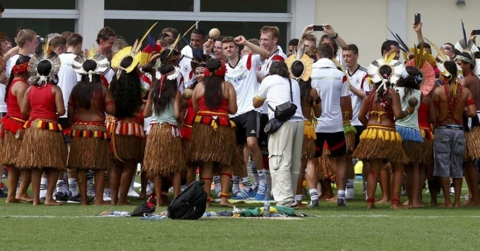 09. jun. 2014 - Grupo de dança faz apresentação para a delegação alemã, que está hospedada na Bahia