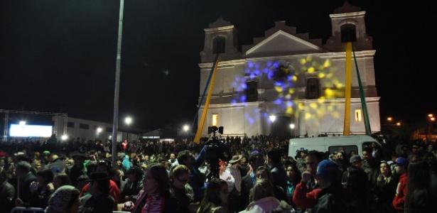 Praça de Viamão-RS recebeu 5 mil torcedores em festa para seleção do Equador, que acabou eliminada
