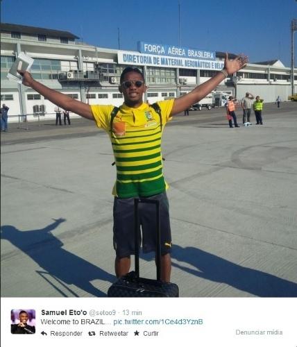 09. jun. 2014 - Samuel Eto'o postou uma foto logo que a seleção de Camarões desembarcou no Brasil