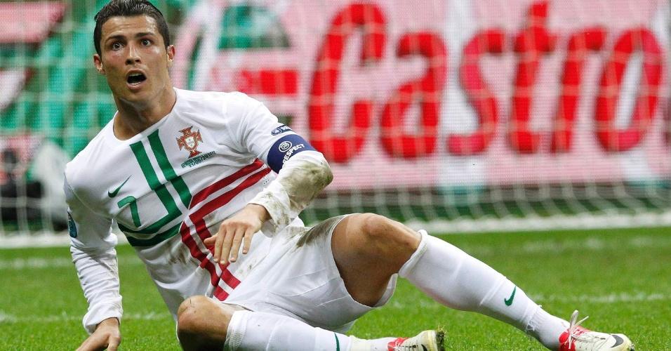 21.jun.2012 - Cristiano Ronaldo lamenta chance perdida durante partida entre Portugal e República Tcheca pela Eurocopa-12