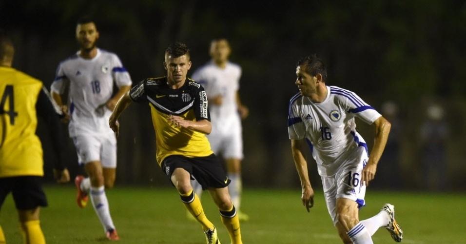 Bósnia-Herzegóvina disputa amistoso contra o time sub-21 do Santos, no Guarujá, litoral paulista