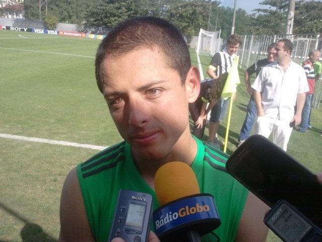 Chicharito, atacante do Manchester United, é o jogador mais ovacionado pelo brasileiros