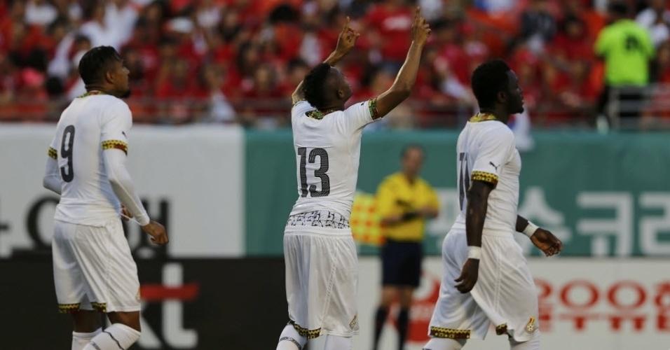 Jordan Ayew comemora após marcar para Gana no amistoso preparatório contra a seleção da Coreia do Sul