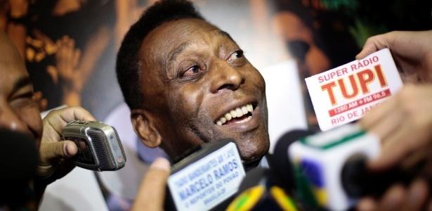 Pelé aprovou a atuação do Brasil contra o México