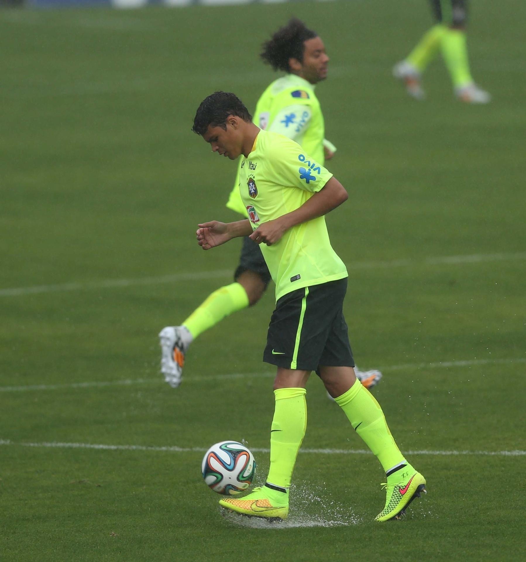 10. jun. 2014 - Seleção brasileira treina na Granja Comary