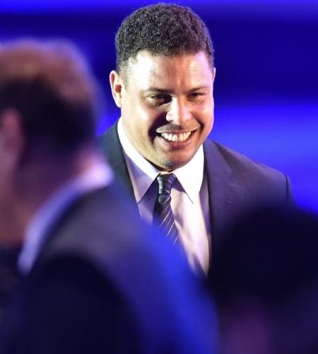 10.jun.2014 - Ronaldo chega ao 64° Congresso da Fifa, que ocorre em São Paulo
