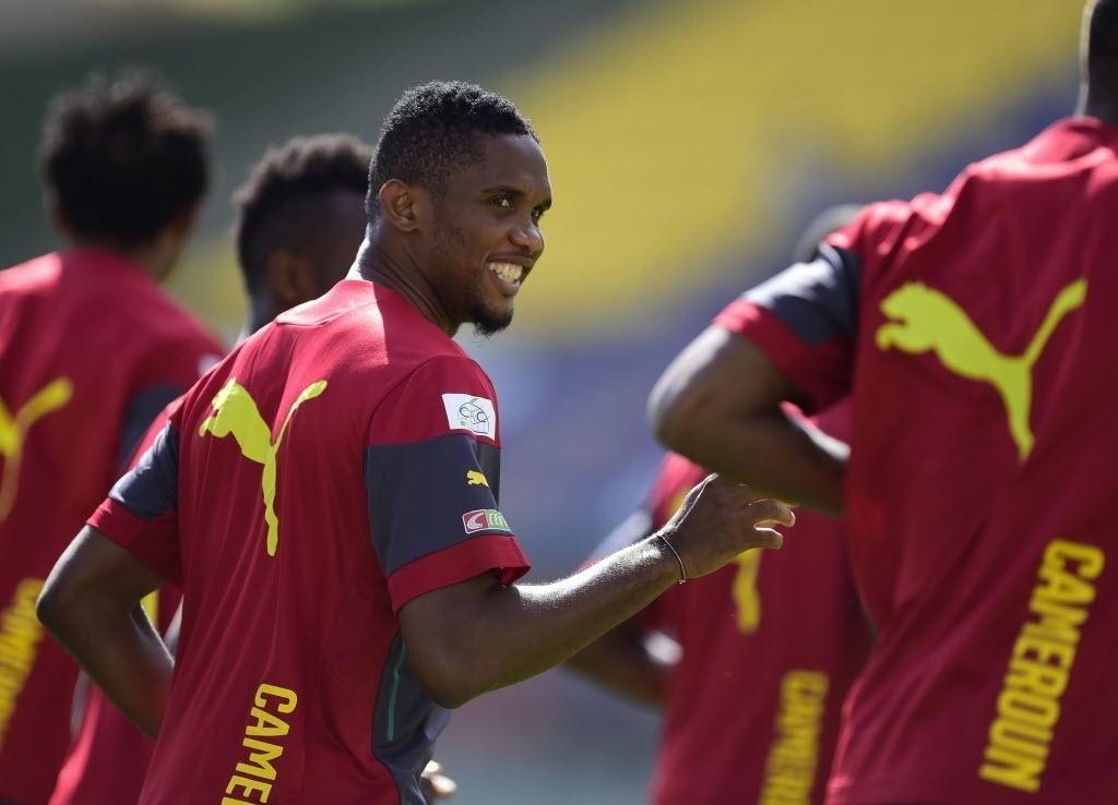 10.jun.2014 - Samuel Eto'o sorri durante treinamento da seleção de Camarões em Vitória, no Espírito Santos