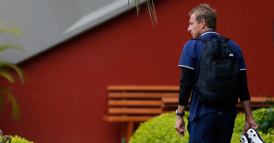 Jurgen Klinsmann chega para comandar treino da seleção dos EUA em São Paulo