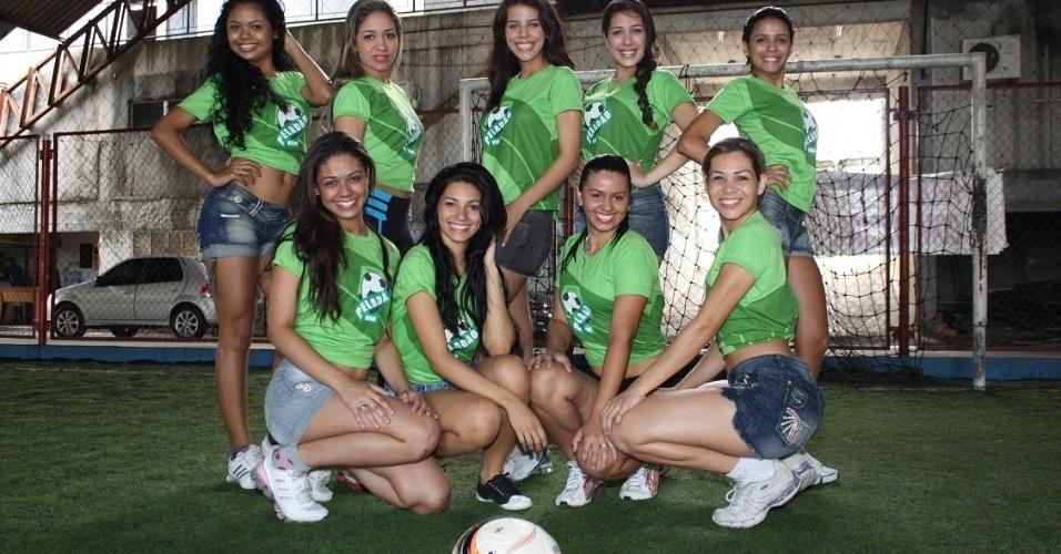 O maior torneio amador de futebol do Brasil, o Peladão de Manaus, é também um concurso de beleza. Cada time tem uma rainha. Pelo regulamento, se a musa avança na competição, ela pode levar sua equipe para uma  repescagem