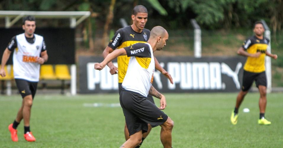 11 jun. 2014 - Diego Tardelli durante treino do Atlético-MG na Vila Olímpica