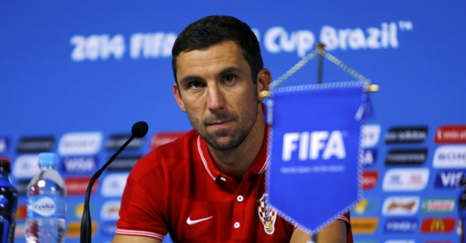 Darijo Srna, da Croácia, concede entrevista coletiva na véspera da estreia contra o Brasil