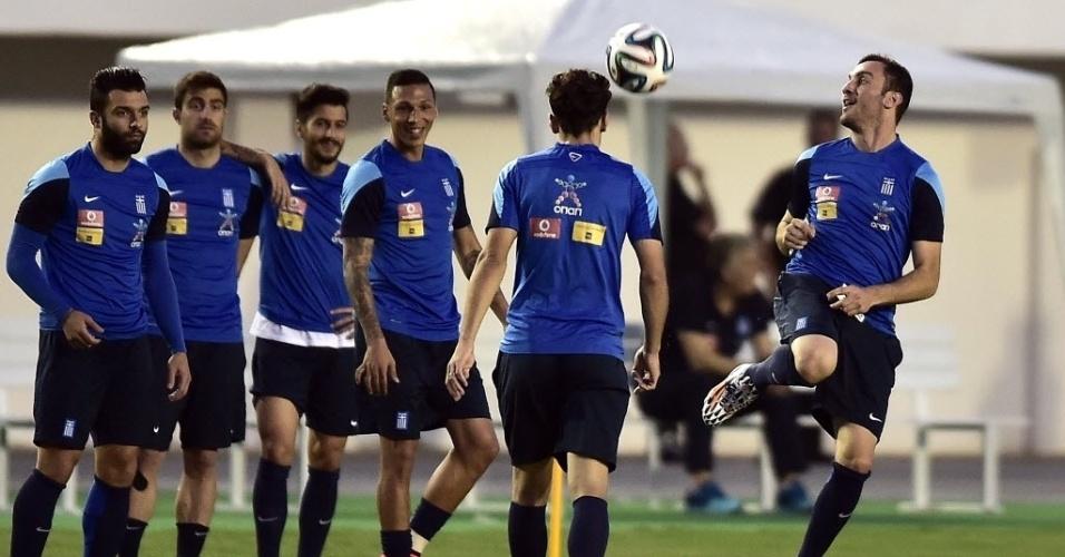 Jogadores da Grécia participam de treinamento em Aracaju
