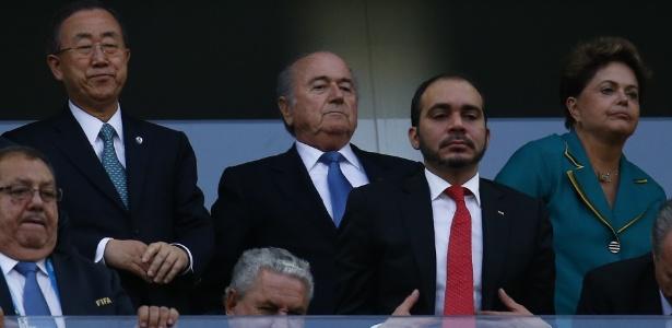 Secretário-geral das Nações Unidas Ban Ki-moon, Joseph Blatter e Dilma Rouseff antes da partida entre Brasil e Croácia