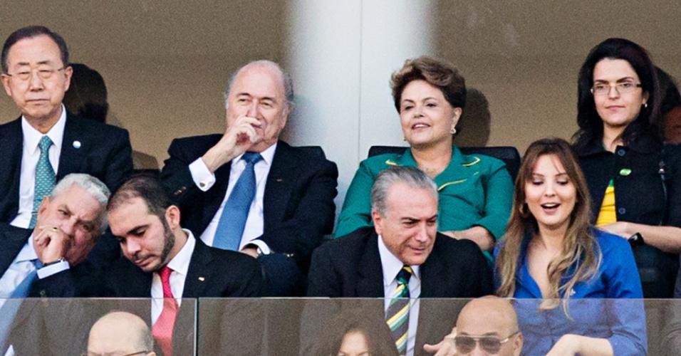 Ao lado de Joseph Blatter, presidente Dilma marca presença na abertura da Copa no Itaquerão
